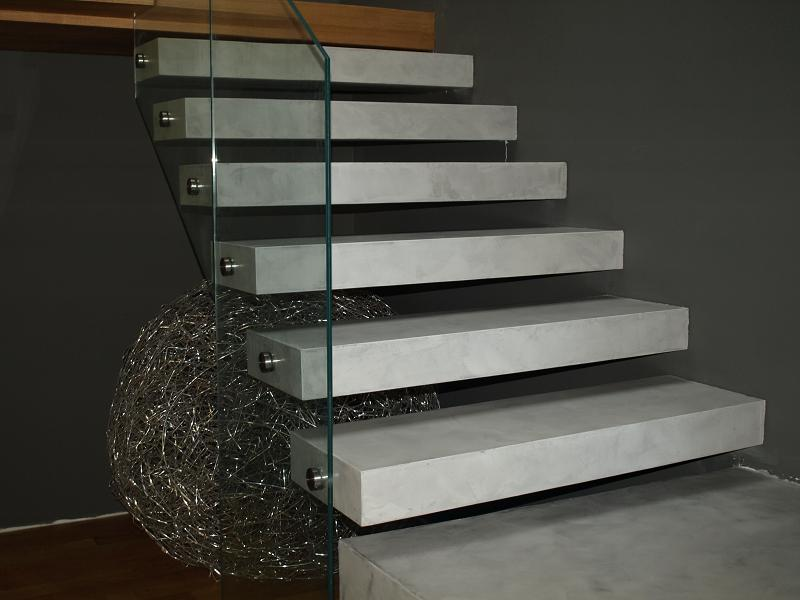 Escalera suspendida con microcementos blog de for Escaleras suspendidas