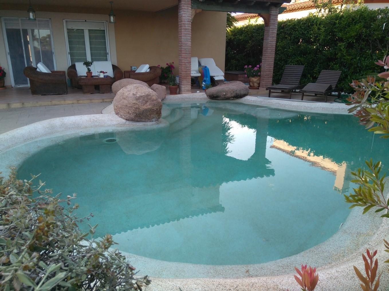 Dorable como se construye una piscina de arena ilustraci n for Como se construye una piscina
