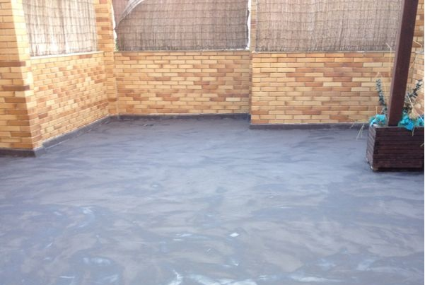 Reforma de terraza con microcemento para evitar humedades - Suelos de resina para exterior ...